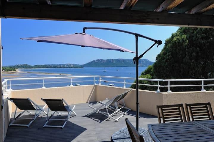 Appartement 6 à 8 personnes pour un séjour dans le golfe de Porto-Vecchio face à la mer