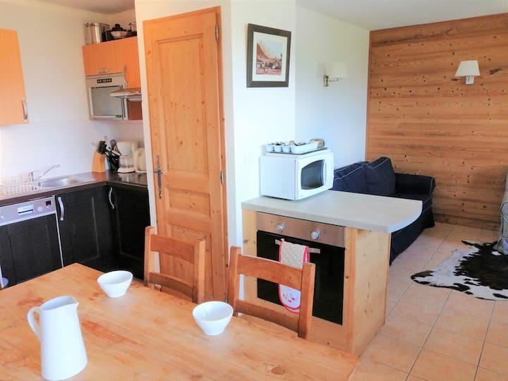 2 bedroom apt 6 pax