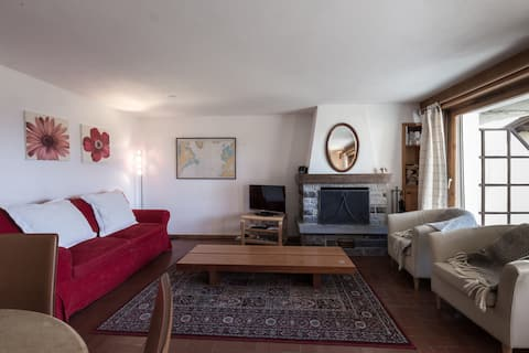 Verbier centre, 50m from Medran lift, sleeps 4