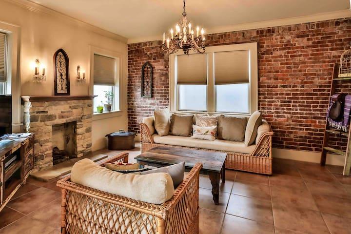 The Teak Follow, beautiful brick enclosed space