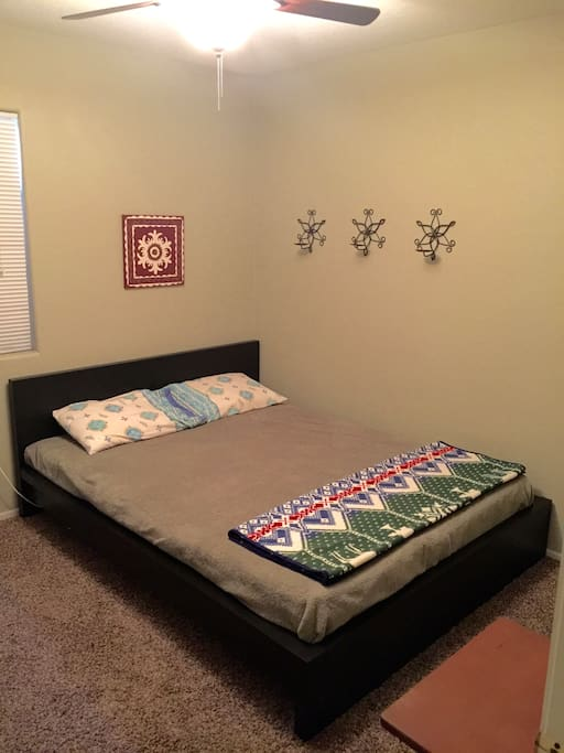 Full Size bed, sleeps 2
