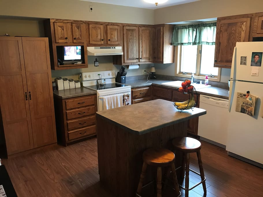 Kitchen - all amenities are included!