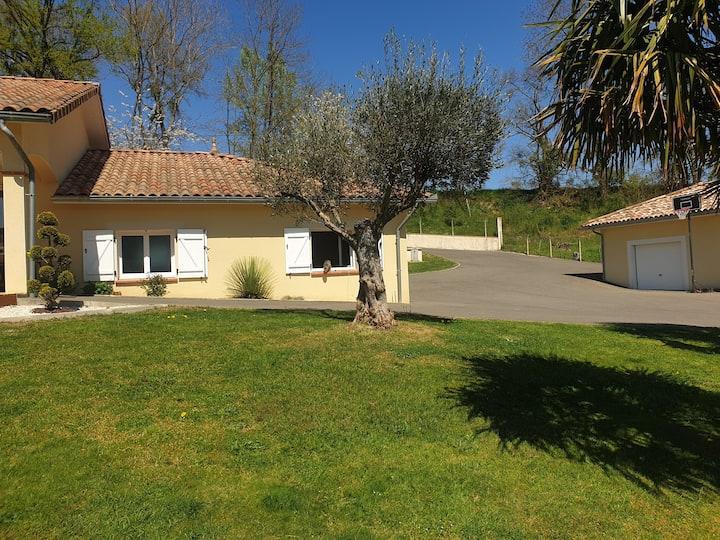 Maison plein pied face aux Pyrénées