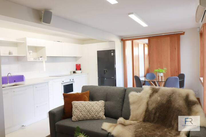 Orakei Apartment - by Furnished Rentals