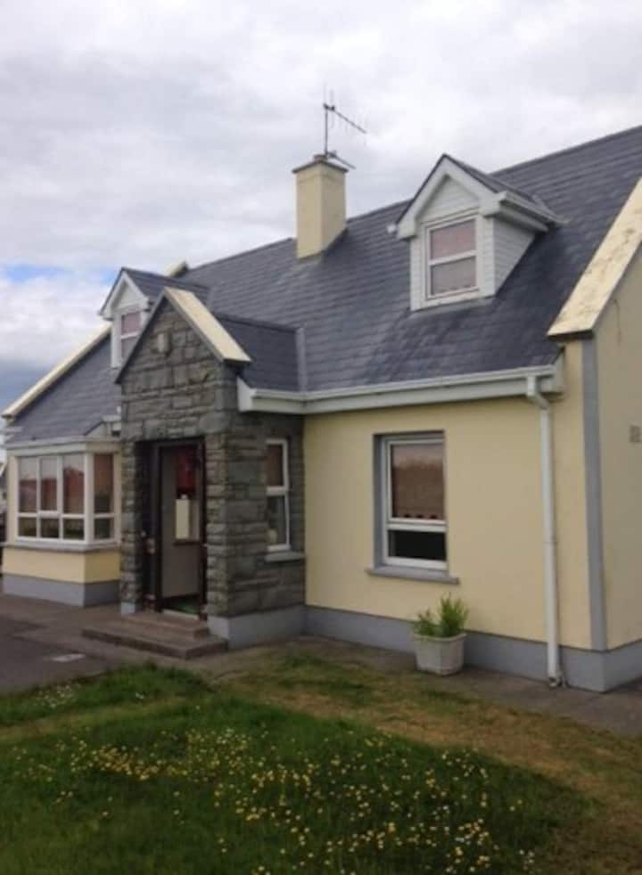 Cosy Cree home in West Clare close to Doonbeg