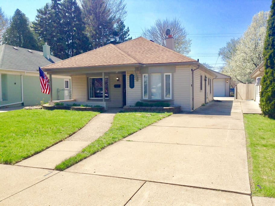 Charming 3 bedroom ranch houses for rent in dearborn for 3 4 houses in michigan