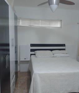 Apto Mobiliado casal a 85 km de Gramado - Apartment
