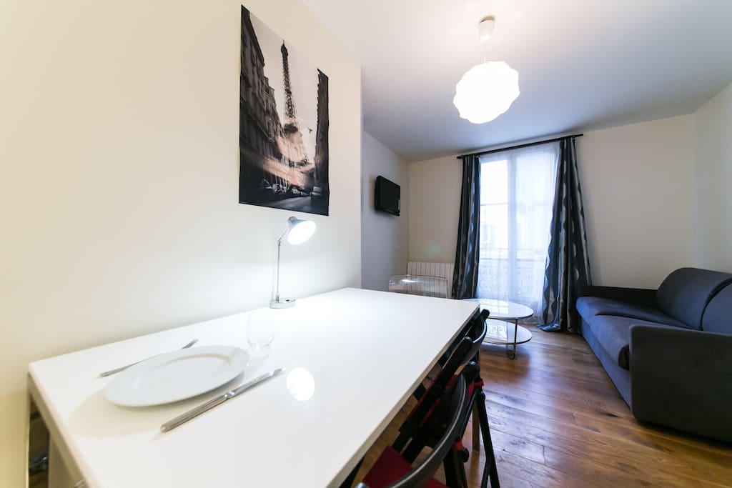 intoparis montparnasse ii wohnungen zur miete in paris le de france frankreich. Black Bedroom Furniture Sets. Home Design Ideas
