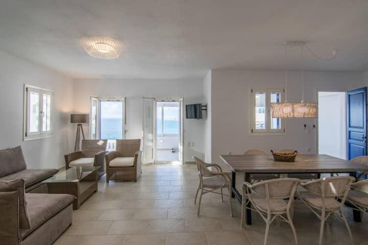 Apricot & Sea Kouros Villa