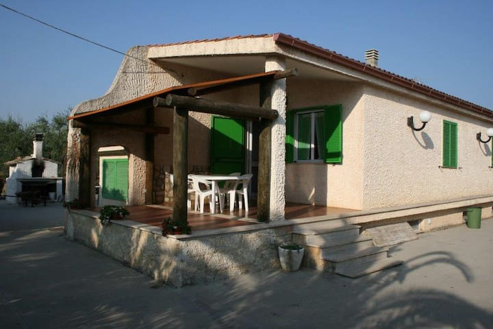 Villa per 9 persone Puglia vicino Castel del Monte - Corato - Villa