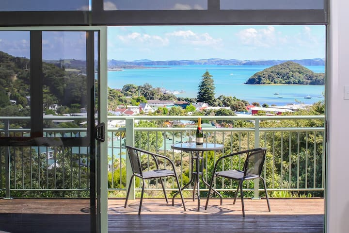 Home by the sea... Bay of Islands