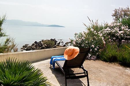 Villa by The Sea - Kaštel Štafilić - Villa