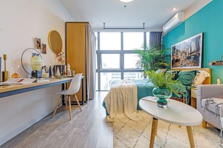 大学生&毕业生实习短租房,品牌公寓,环境安静舒适,家电齐全,拎包入住。