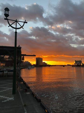 Sunset view at Nusamai Bridge 幣舞橋の夕日