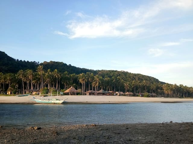 Low tide when youre in pulo islet.