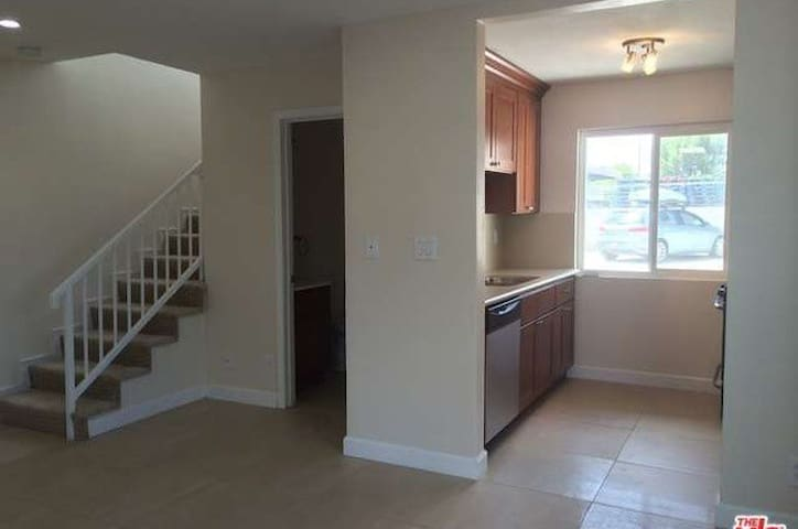 1 Bedroom in Clean Quite Town Home