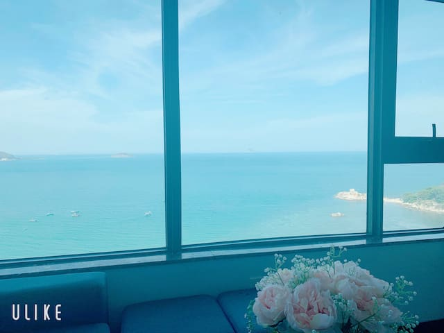 Contemporary Panoramic seaview 3 bedroom apartment