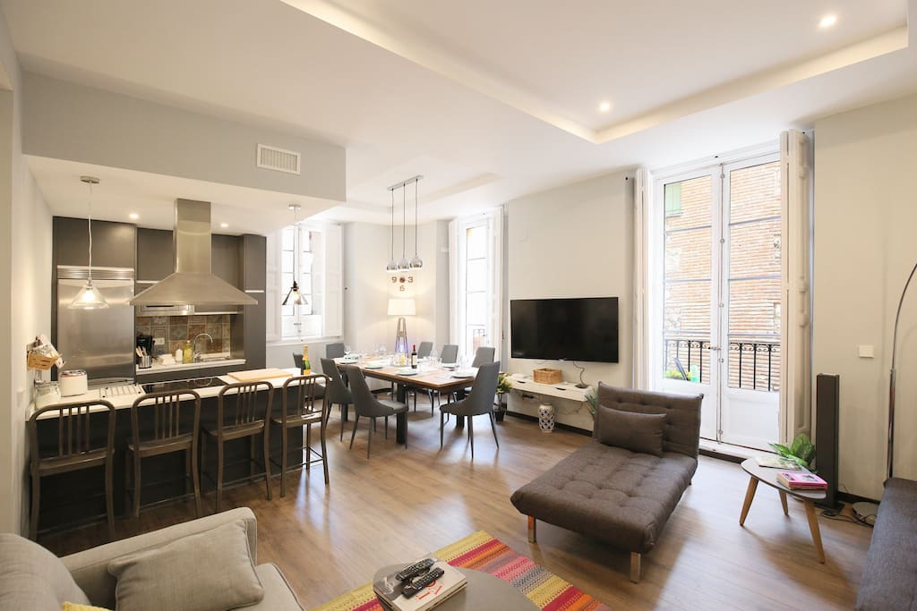 Comfortable dining room and kitchen part (full equipped)