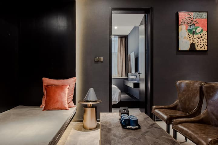 小W 网红酒店中的两卧室亲子套房住进美术馆 南门丨钟鼓楼丨回民街拍照打卡