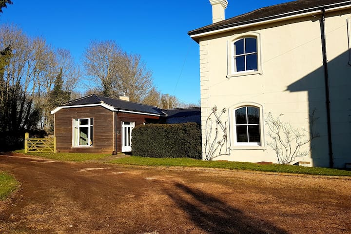 2 Bedroom Rural Annexe - Itchen Stoke, Winchester