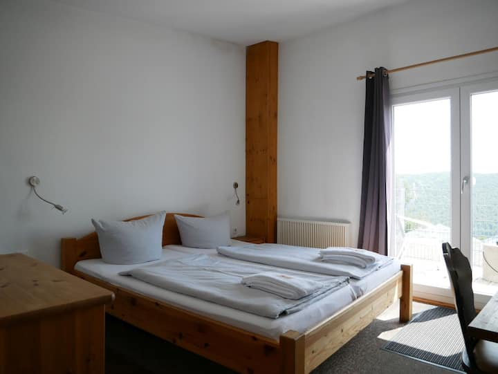 Berghaus Knopfmacher, (Fridingen), Doppelzimmer mit Dusche und WC