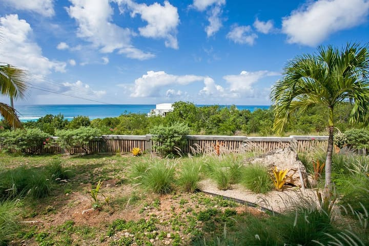 "TOP Ranked Shoal Bay by ""Refined Retreats""~Ocean Views~King Suite w/ Terrace!"