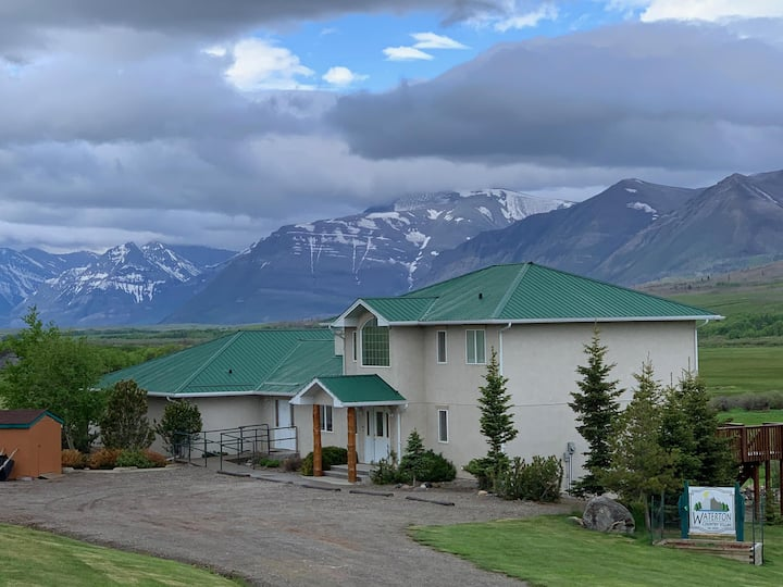 Waterton Country Villas - #1 Private Rm w/ view