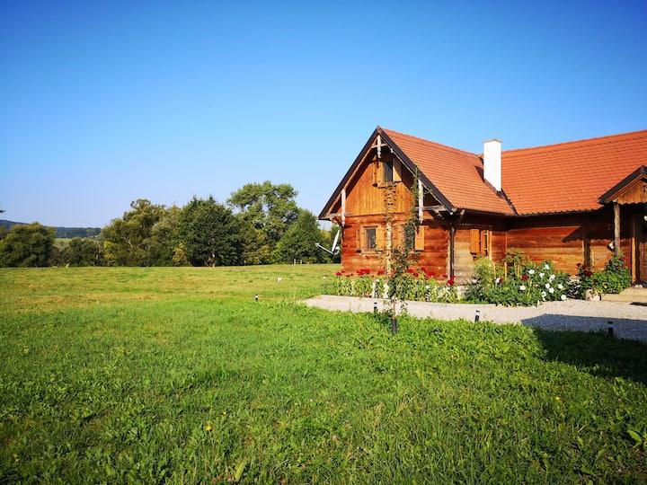 House on Kupa / Šišinec / Croatia