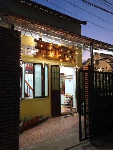 Red Brick Homestay
