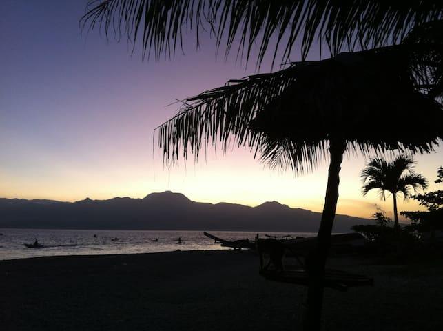 Santander Pebbles Beach Resort, tip of the island - Santander - Bungalov