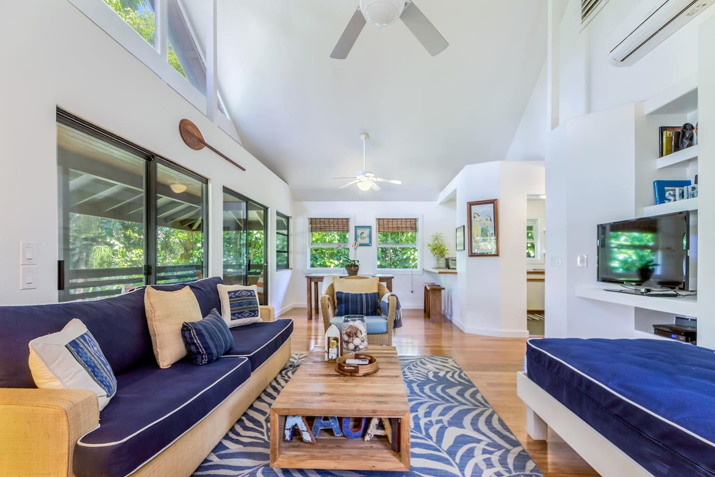 Hanalei Hale, steps to Hanalei Bay, Bright, Clean, Comfortable, AC, Bikes, Boards and More