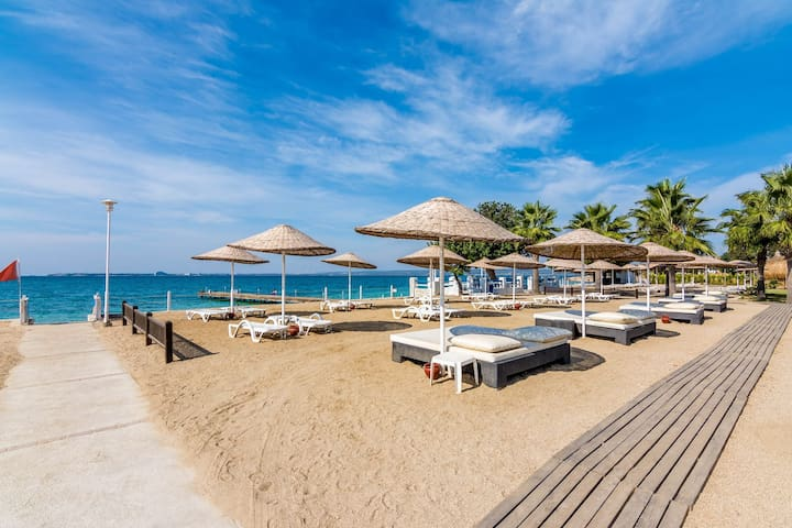 Adonis 34, Apollonium SPA and Beach Resort