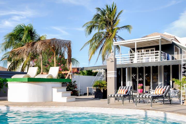 Pool Suite-Kitchen-Walk to beach near Marriott