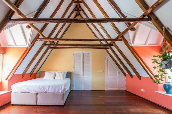 Corral Red Room at Landhuis Jan Thiel