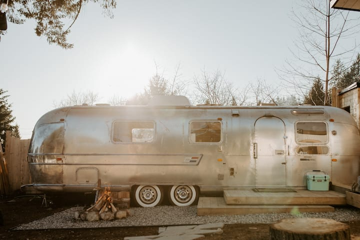 Modern Vintage Airstream on the Sunshine Coast