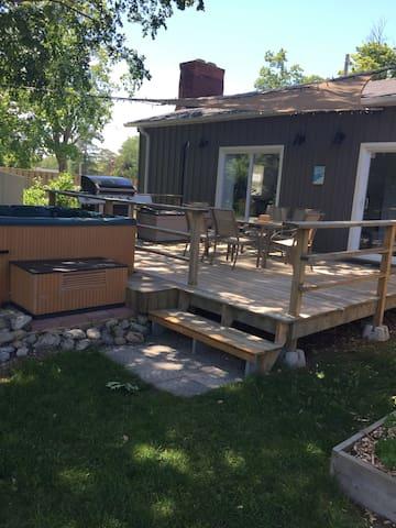 Large back deck off of kitchen