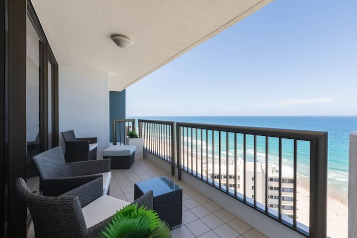 25th Floor Longbeach Luxury with full Ocean Views!