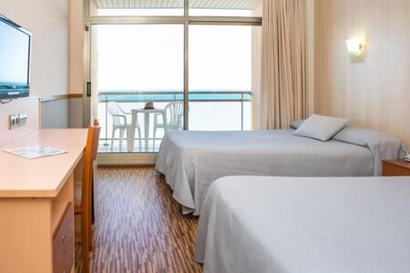 Habitación Standard Vista Mar para 2 adultos en Media Pensión