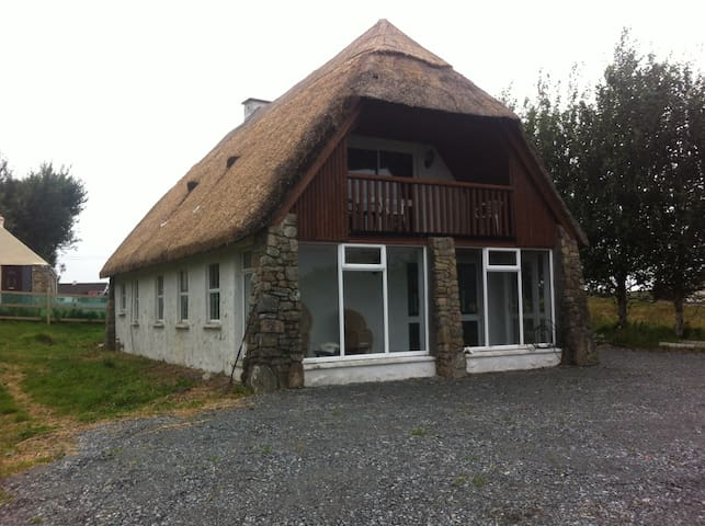 Brendan's Cottage - Galway