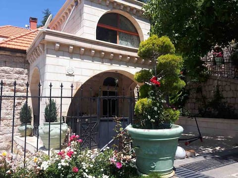 Tannourine Guesthouse
