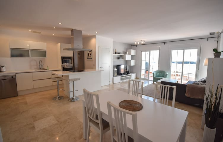 Modern Penthouse with amazing Sea views - Marbella - Apartament