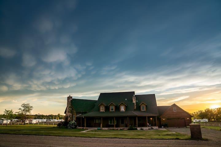 The Cottonwood Resort