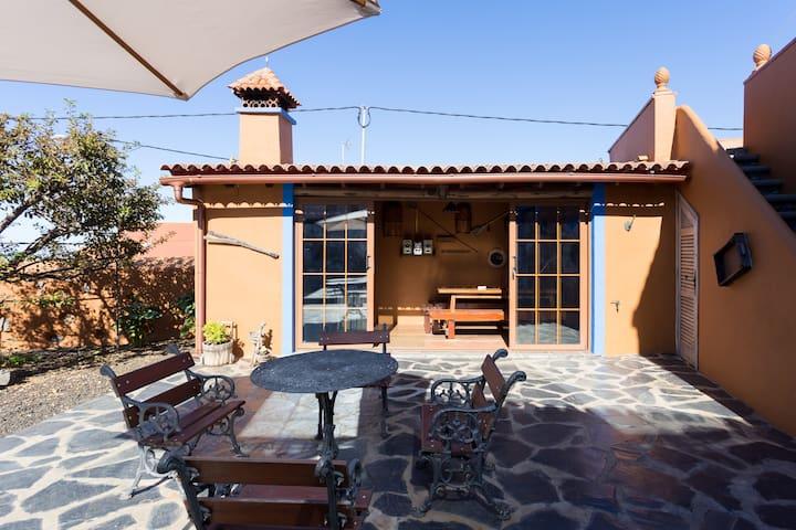Preciosa casa con jardín y barbacoa - Icod de los Vinos - House