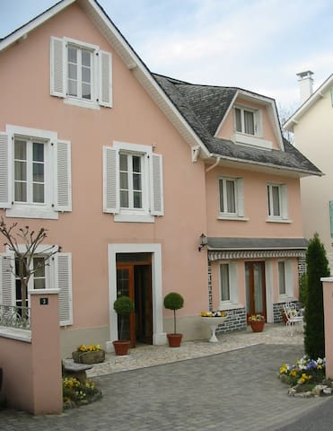 """""""Pibeste"""" : Appartement calme dans petit village - Ayros-Arbouix - Apartment"""