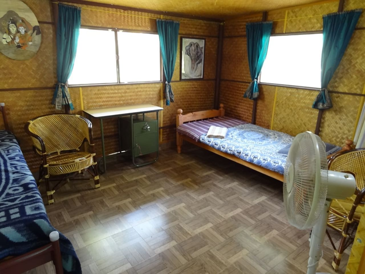 Rooftop Cabin with 2 single beds
