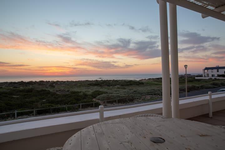 Ocean views and true Sandveld hospitality