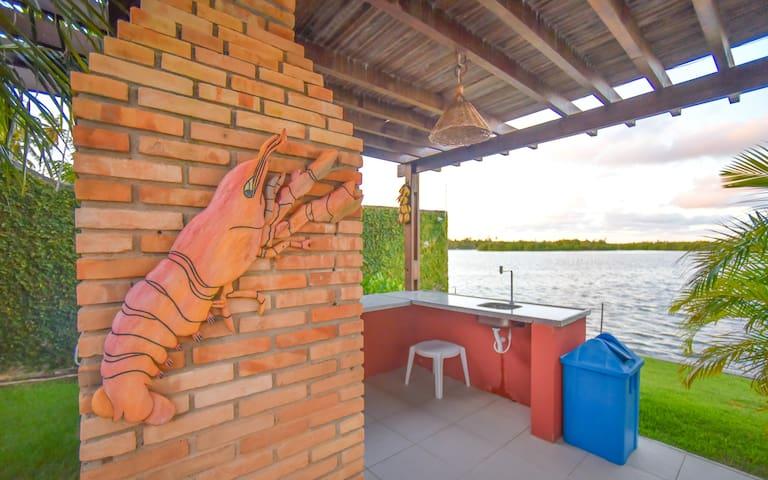 Belíssima casa a beira lagoa para família - Marechal Deodoro - Huis