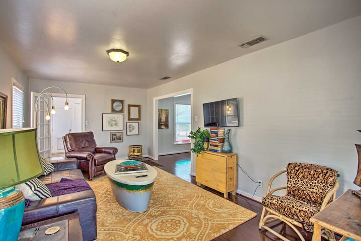 NEW! Fort Worth Home w/ Patio - 5 Mi to Downtown!