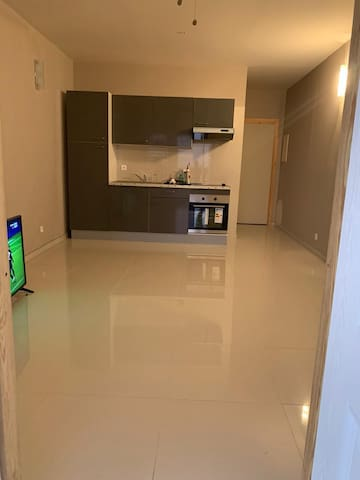 Appartement calme et sécurisé en bord de lagon