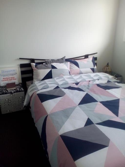 Guest room1 (Queen size)